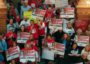 New York teachers rally in Albany. (AP photo)